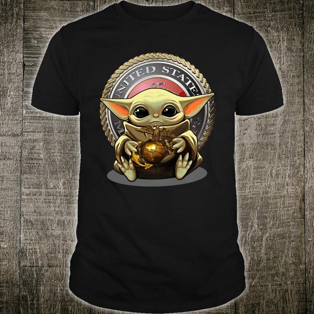 Baby Yoda hug United States shirt